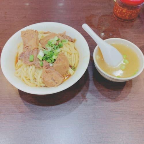 台北の牛肉麺