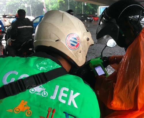 バリ島のバイクタクシー