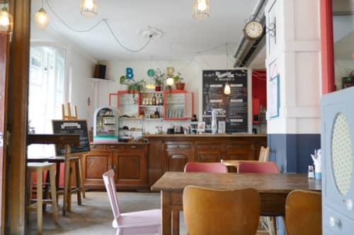 パリのサンマルタン運河脇 一軒家カフェ・パヴィヨンデカノー