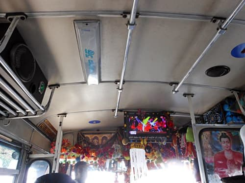 スリランカのバス車内