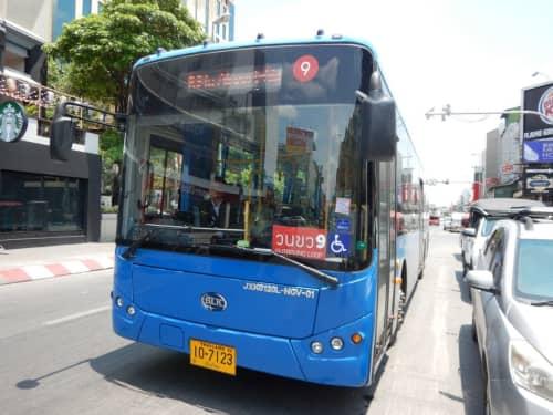 タイ・チェンマイの風景 バス