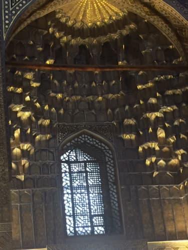 ティラカリ・マドラサ サマルカンド 窓