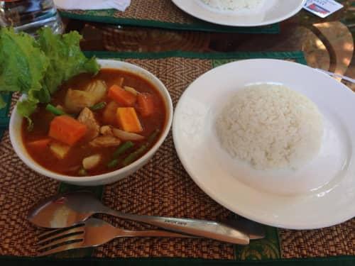 カンボジアのスープカレー