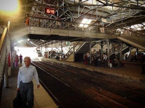 スリランカの風景 コロンボ・フォート駅