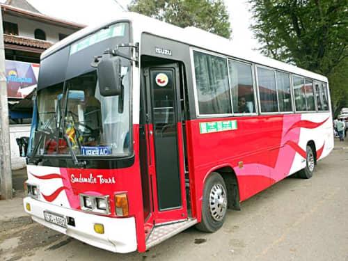 スリランカのインターシティバス