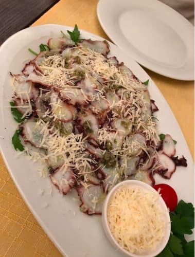 クロアチア・ドゥブロヴニク レストラン Dondu Maroje タコのカルパッチョ