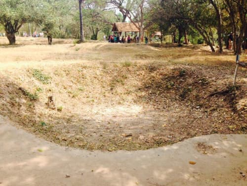 カンボジア プノンペン キリング・フィールド 中国人墓地