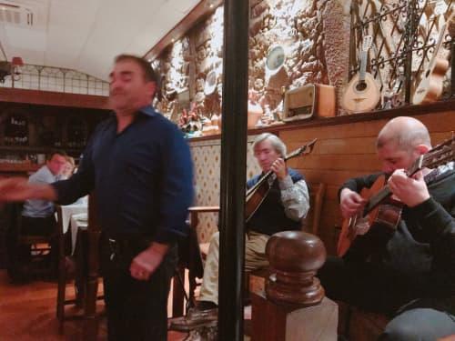 ポルトの伝統 ファドの演奏