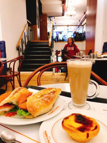 ポルトのカフェ