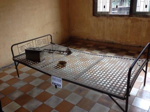 カンボジア プノンペン トゥールースレン虐殺博物館