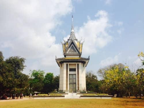 カンボジア プノンペン キリング・フィールド 慰霊塔
