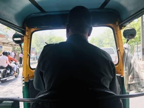 インド デリーのタクシー