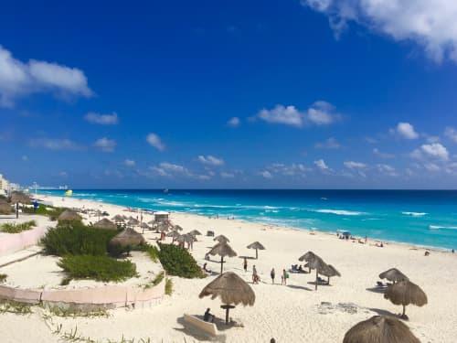 メキシコ カンクンのビーチ
