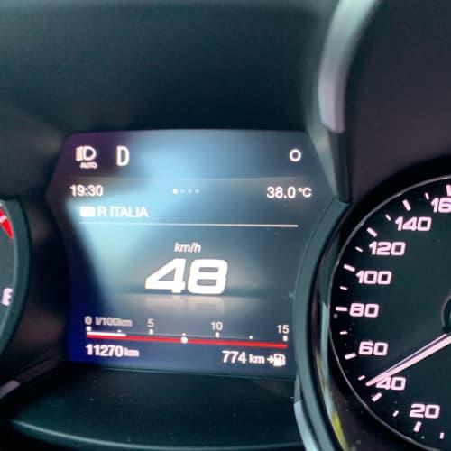 ミラノ 車の温度計 夏