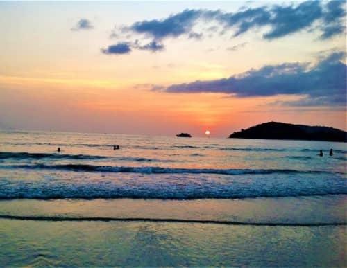 チェナンビーチからの夕日