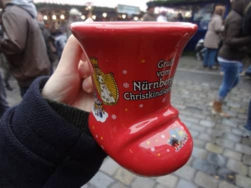 クリスマスマーケットのグリューワイン