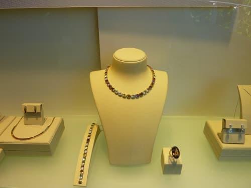 リオ、ポンジアスーカールの展示室にある宝石