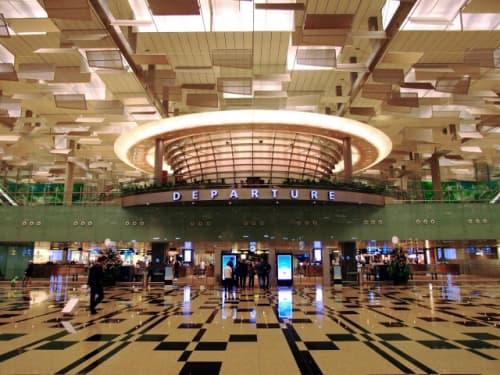 シンガポール空港の出発口