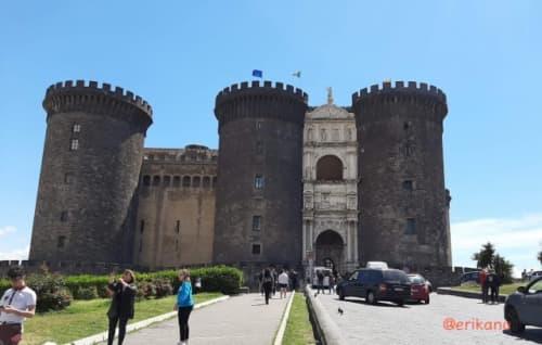 ナポリ ヌオーヴォ城