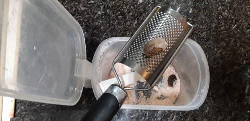 ナツメグの保存方法とグレーター
