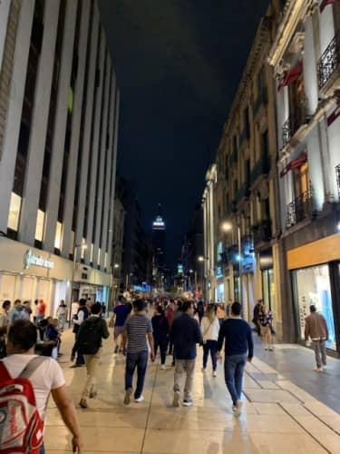 夜のフランシスコⅠ.マデロ通り
