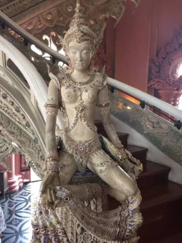 美しい仏像が数多く有るタイ
