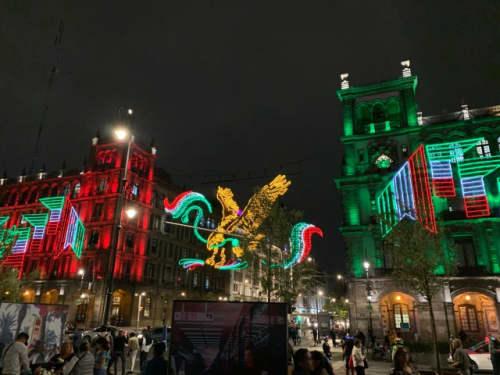 メキシコシティのソカロのイルミネーション