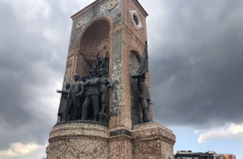トルコ建国記念碑モニュメント