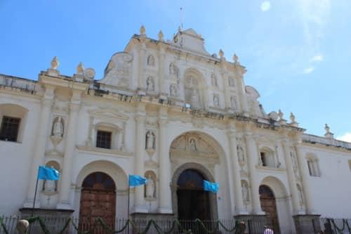 教会の正面入口