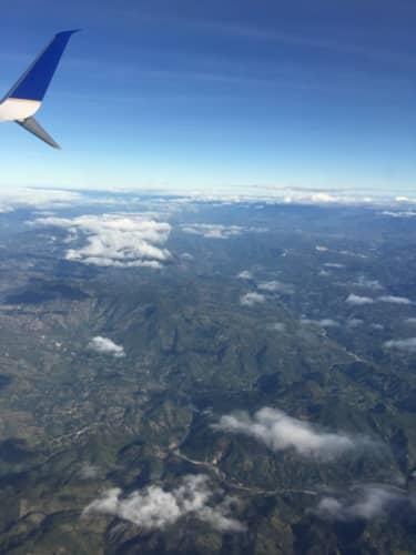飛行機から見えるグアテマラの山々