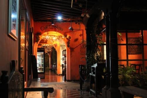 Cafe Condesaの入口