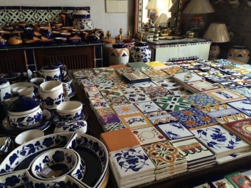 中米独自の模様の陶器