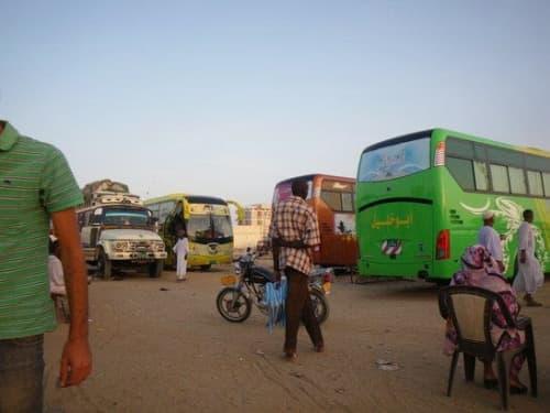 スーダンのバスターミナル