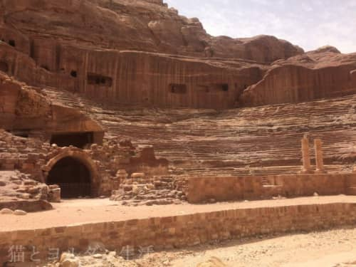 世界文化遺産ペトラ内のローマ円形劇場跡