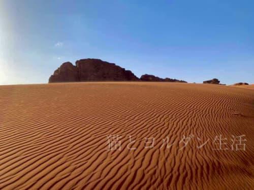 ワディラム、波模様になった砂丘