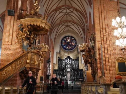 ガムラスタン大聖堂の内装
