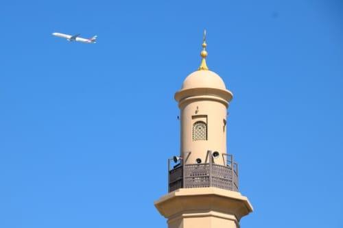 塔と飛行機