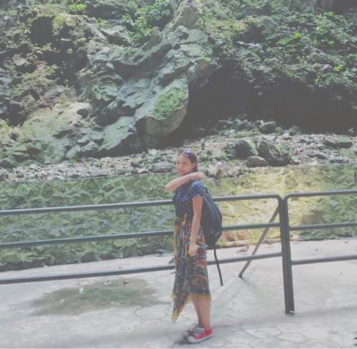 洞窟内の自身の写真