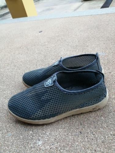 オールメッシュの靴