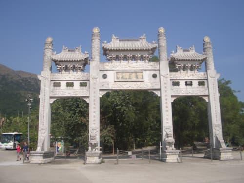 寺の入り口