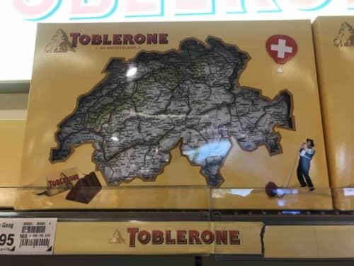 スイス限定パッケージのトブラローネ
