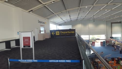 ケアンズ国際空港の出国審査の前