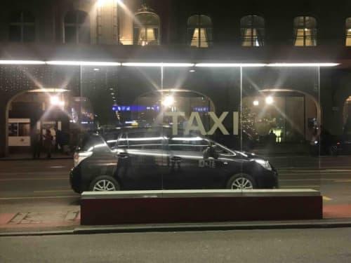 駅のタクシー乗り場
