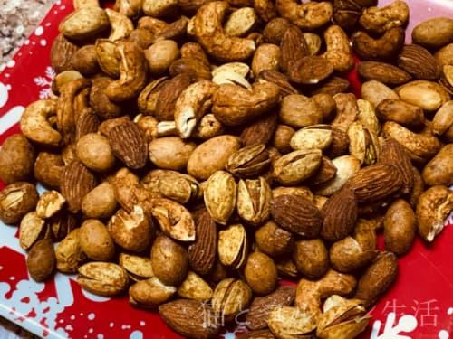 シャアブのスモークミックスナッツ。