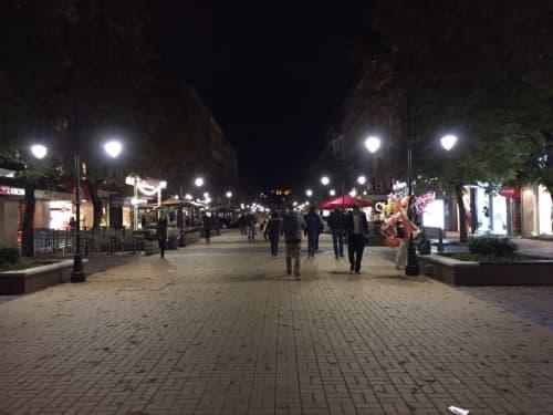 21時過ぎのソフィア市内のメインストリート