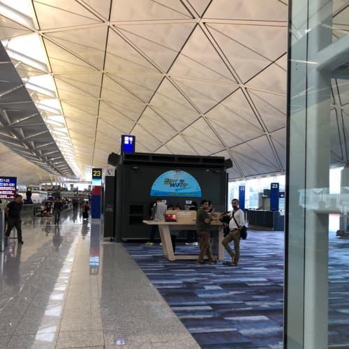 香港国際空港内部