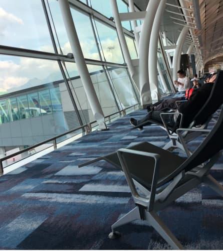 香港国際空港の椅子