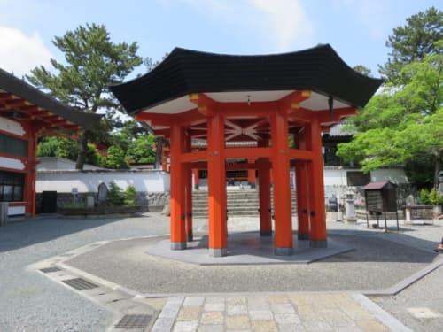 鴨江寺の八角堂