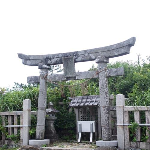 弥彦神社 御神廟