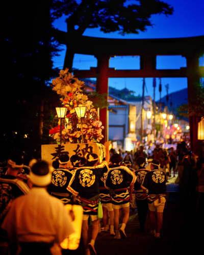 弥彦灯籠祭り